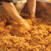 味噌の味を決めるポイントは職人の経験と技!